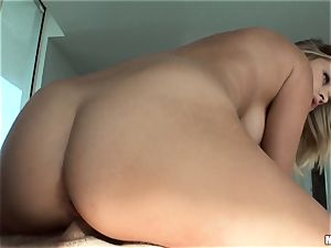 Kennedy Leigh gets her lil' bum meanly packed