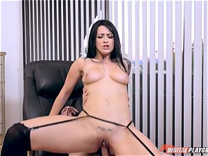 ideal figure of Katrina Jade gets dispersed whilst looking for a room to rent
