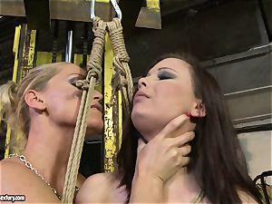 Kathia Nobili cane the tongue of bombshell female