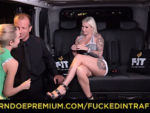 porked IN TRAFFIC - passionate blondes car triangle pounding