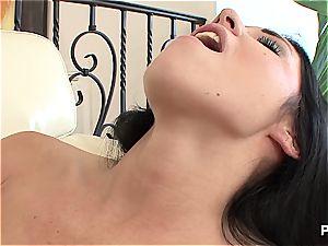 Teenie bitch Lola licking out