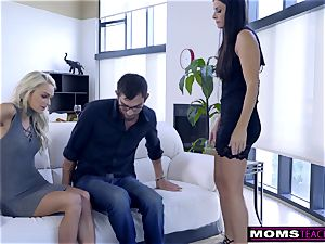 mom pounds sonnie And munches internal cumshot For Thanksgiving handle
