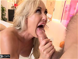 spurting Brandi love likes having a wood in her gash