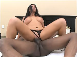 Romi Rain takes hefty black sausage in her raw crevice