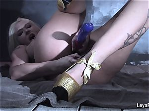 Leya Falcon slams hump playthings in both her fuck holes