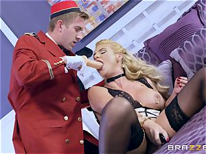 Real horny mummy Phoenix Marie gets deep service in motel apartment