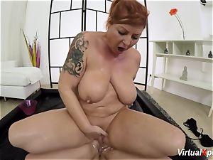round lesbo nuru massage with Lucia