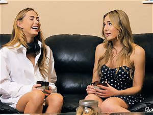Carter Cruise and Blair Williams enjoy each others warm muffs