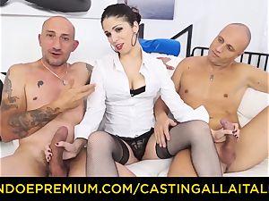 audition ALLA ITALIANA - super hot cougar has dual ass-fuck joy