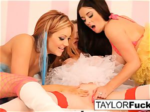 Taylor Emily and Jayden have some fun
