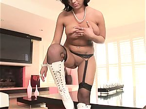 ultra-kinky Halie James looks amazing in white shoes