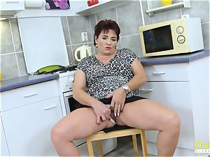 OldNannY Mature nymph pleasing Her vag with fucktoy