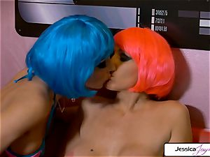 Julia Ann And Jessica Jaymes girly-girl couple going off