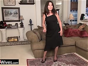 USAwives grannies luving adult fucktoys compilation