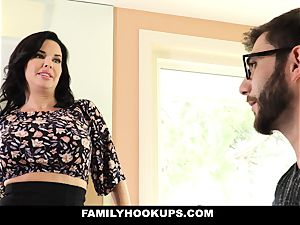 FamilyHookups - sizzling cougar instructs Stepson How To bang