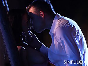 sultry outdoors appointment for a couple that enjoys to sneak out