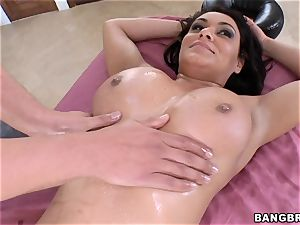 Charley pursue juggling on a hefty man meat