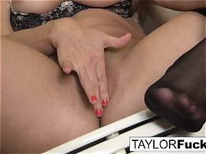 Taylor Vixen Looks extra super-hot In ebony stocking