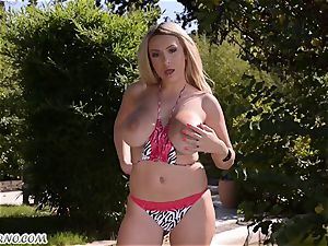 spunky erotic outdoor. sizzling cougar Anastasia shows her meaty cupcakes