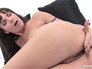 pornstar Dana opens up her backdoor with a humungous plaything