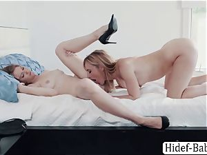 milf Mona Wales slurps Ashley Lane wet cunt and gets her booty porked using fucktoy