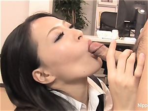 assistant plays with his chisel with her facehole and feet