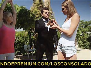 LOS CONSOLADORES - super-hot blondes share rigid fuckpole in 3