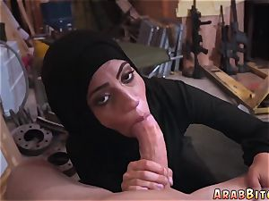 Arab dad and housewife first-ever time pecker dreams!